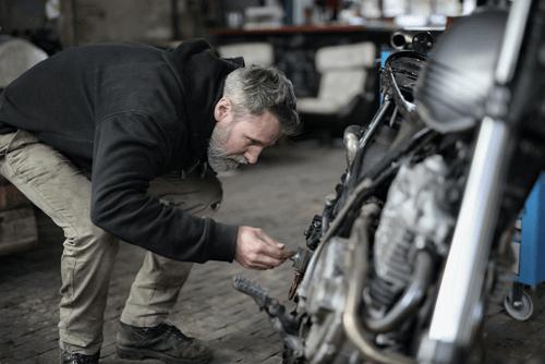Daños materiales por accidente en coche o moto