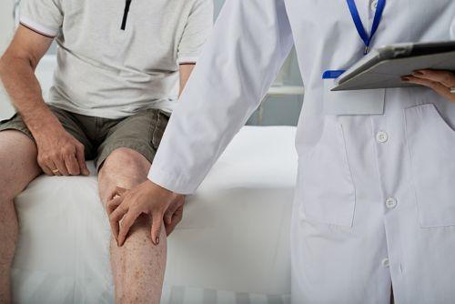 Visita médica por lesiones temporales en accidentes de tráfico
